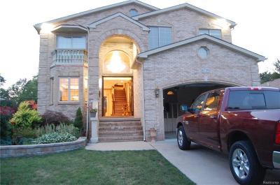 Dearborn Single Family Home For Sale: 6739 Centralia St