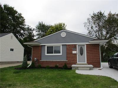 Berkley Single Family Home For Sale: 1810 Greenfield Rd