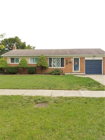 Livonia Single Family Home For Sale: 38991 Ann Arbor Trl