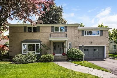Grosse Pointe Woods Single Family Home For Sale: 731 N Oxford Rd