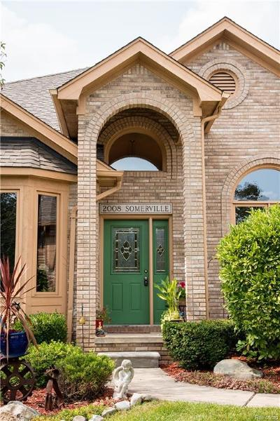 Rochester Hills Single Family Home For Sale: 2008 Somerville