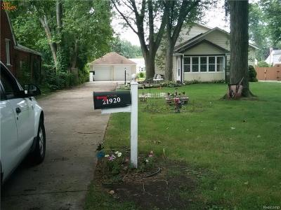Saint Clair Shores Single Family Home For Sale: 21920 Maxine St