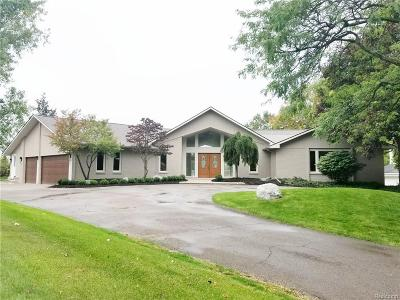 Bloomfield Hills Single Family Home For Sale: 2085 Wabeek Hill Crt