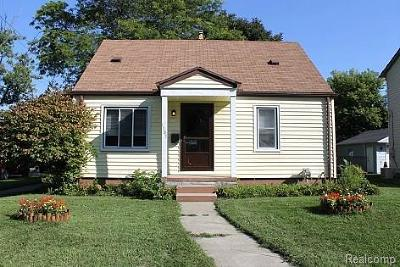 Royal Oak Single Family Home For Sale: 1103 Whitcomb Ave