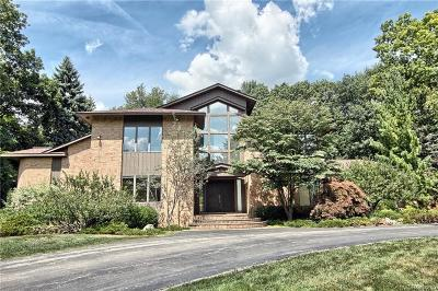 Bloomfield Hills Single Family Home For Sale: 145 Canterbury Rd