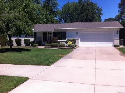Shelby Twp Single Family Home For Sale: 7525 21 Mile Rd