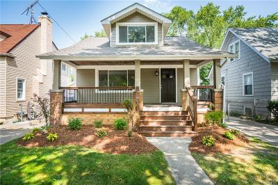 Berkley Single Family Home For Sale: 1278 Larkmoor Blvd