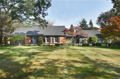 Bloomfield Hills Single Family Home For Sale: 6130 Lantern Ln