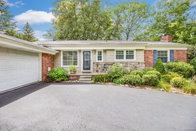 Bloomfield Hills Single Family Home For Sale: 2797 Warwick