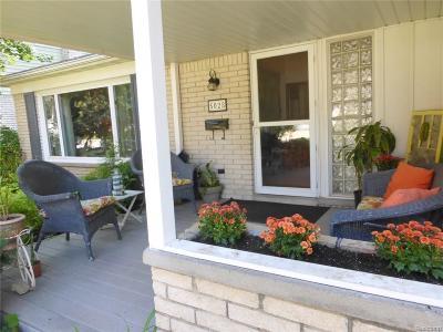 Royal Oak Single Family Home For Sale: 5028 Thorncroft Ave