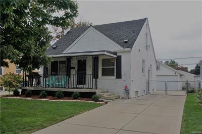 Royal Oak Single Family Home For Sale: 1716 Harwood Ave