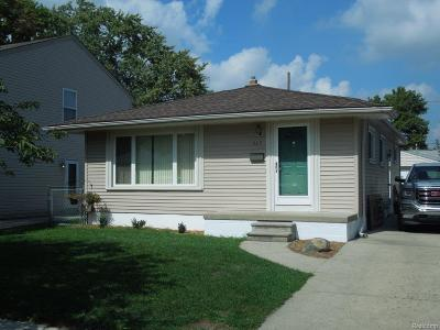 Royal Oak Single Family Home For Sale: 717 Dewey St