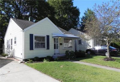 Royal Oak Single Family Home For Sale: 2122 Rowland Ave