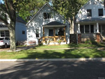 Grosse Pointe Single Family Home For Sale: 902 Saint Clair St