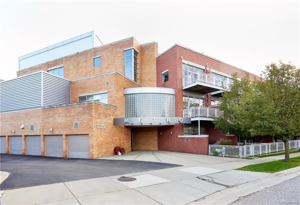 Property Photo ... & Listing: 322 E Harrison Ave Unit 21 Royal Oak MI.| MLS# 21371965 ...