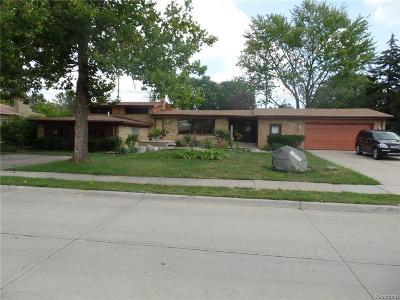 Warren Single Family Home For Sale: 30590 Lorraine Ave