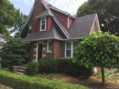 Plymouth Single Family Home For Sale: 9424 Corinne St
