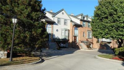 Saint Clair Shores Condo/Townhouse For Sale: 29159 Jefferson Crt