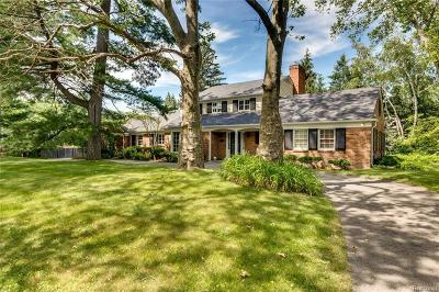 Grosse Pointe Farms Single Family Home For Sale: 234 Touraine Rd