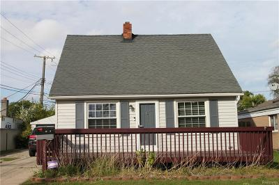 Saint Clair Shores Single Family Home For Sale: 21515 Grand Lake St