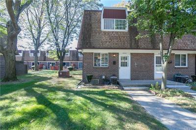 Clinton Township Condo/Townhouse For Sale: 37041 E Aragona Dr