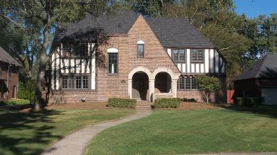 Grosse Pointe Park Single Family Home For Sale: 920 Balfour St