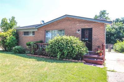 Oak Park Single Family Home For Sale: 24320 Coolidge Hiwy