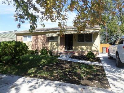 Clinton Township Single Family Home For Sale: 21851 Sharkey St