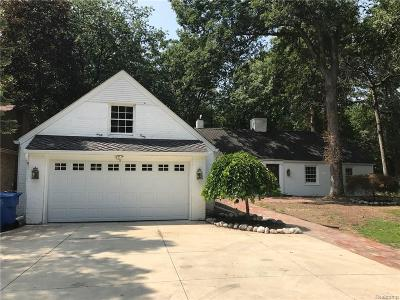 Dearborn Heights Single Family Home For Sale: 605 N Gulley Rd