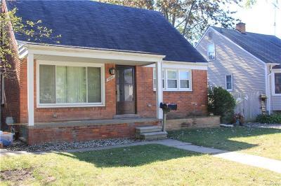 Center Line Single Family Home For Sale: 8576 Harding