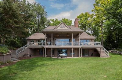 Lapeer Single Family Home For Sale: 2918 Island Point Dr