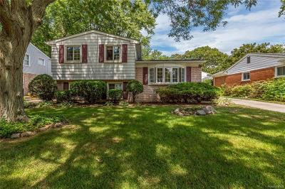Royal Oak Single Family Home For Sale: 604 Poplar