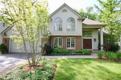 West Bloomfield Single Family Home For Sale: 4978 Oak Holw