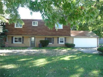 Sterling Heights MI Single Family Home For Sale: $129,000