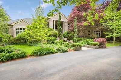 Bloomfield Hills Single Family Home For Sale: 1250 Vaughan Rd