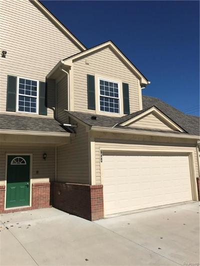 Shelby Twp Condo/Townhouse For Sale: 7888 Marie