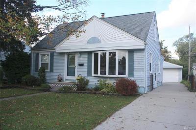 Royal Oak Single Family Home For Sale: 1023 Amelia Ave