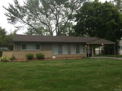 West Bloomfield Single Family Home For Sale: 2582 Depew