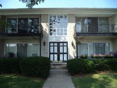 Southfield Condo/Townhouse For Sale: 29135 Evergreen Rd