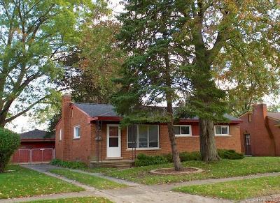 Livonia Single Family Home For Sale: 9350 Montana St