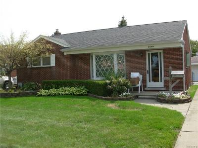 Livonia Single Family Home For Sale: 28991 W Chicago St