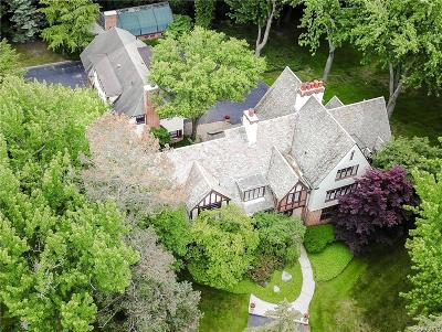 Bloomfield Hills Single Family Home For Sale: 240 E Hickory Grove Rd