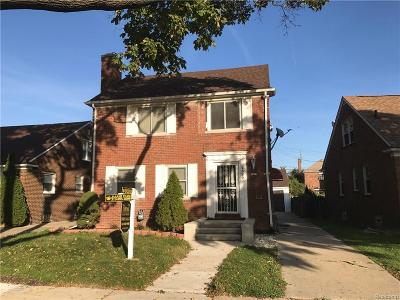 Dearborn Single Family Home For Sale: 7520 E Morrow Cir