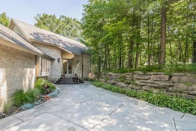 Oakland Twp Single Family Home For Sale: 2978 Shannon Dr