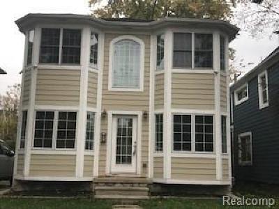 Birmingham Single Family Home For Sale: 1003 E Fourteen Mile Rd