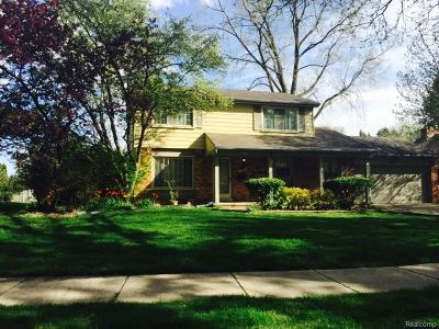 Troy Single Family Home For Sale: 924 Barclay Dr