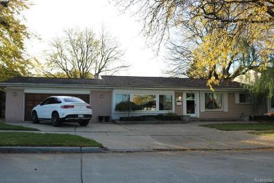 Dearborn Single Family Home For Sale: 2059 N Evangeline St