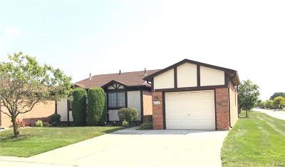 Warren Condo/Townhouse For Sale: 5404 Cornell Ct