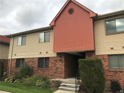 Harrison Twp Condo/Townhouse For Sale: 38710 Lanse Creuse St