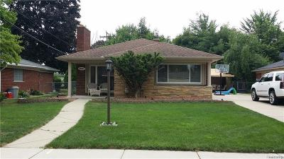 Dearborn Single Family Home For Sale: 25477 Kennedy St